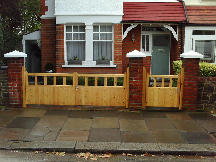 Gloucester Wooden Driveway Gates 3ft High Various