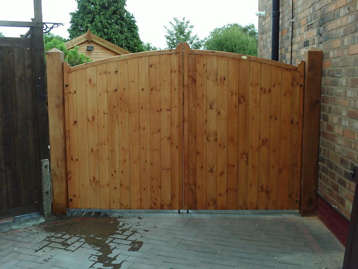Kent Tall Wooden Driveway Gates High Centre Garden