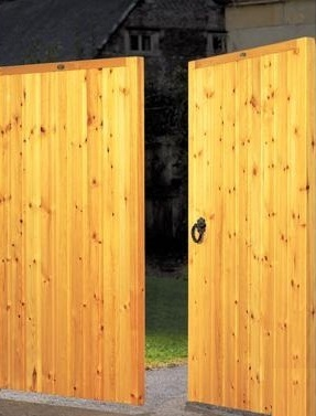 Dalby Tall Wooden Driveway Gates